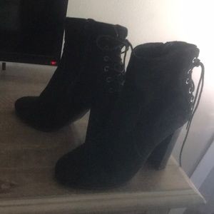 Booties Steve Madden with tie on the back